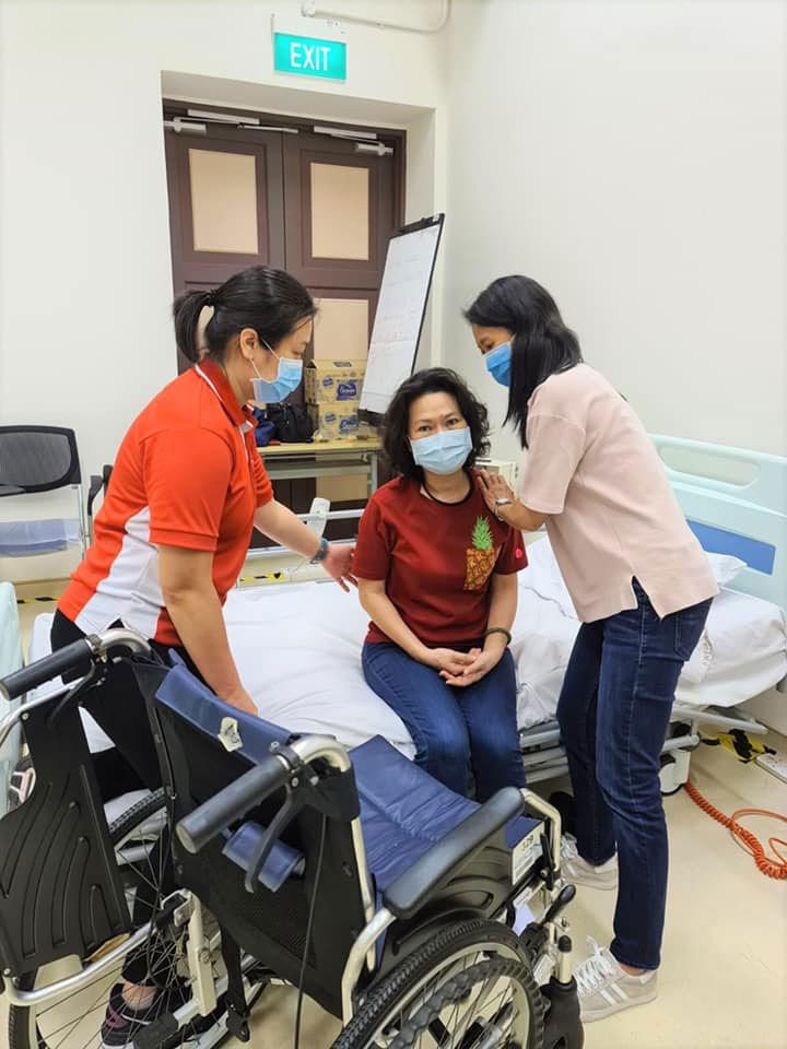 basic care courses for Community Care professionals at AIC-appointed Learning Institute, Kwong Wai Shiu Hospital